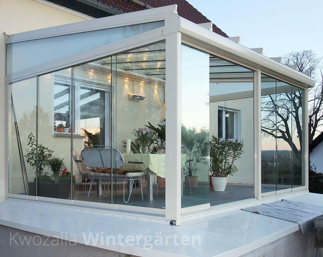 Glashaus mit Schiebeelementen, LED Beleuchtung, Infrarotheizung und ...
